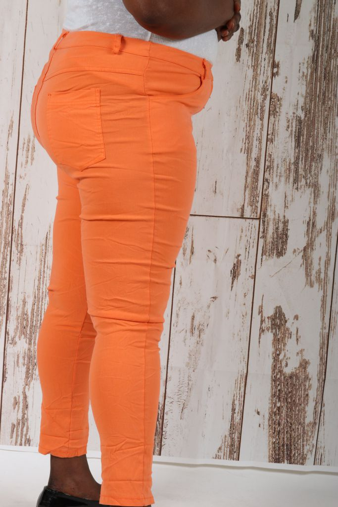 Pantalon type jean slim grande taille orange